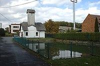 Josefovice, rybník a hasičská zbrojnice.jpg