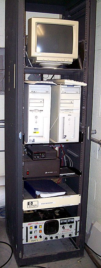 Amateur radio repeater - An amateur radio repeater system consisting of a 70cm repeater and a 2-meter digipeater and iGate.