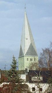 """Das Wahrzeichen von Kamen: Der """"Schiefe Turm"""" der Pauluskirche"""