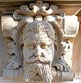 Kamienna Góra, głowa mężczyzny na południwej elewcji ratusza (Aw58) PA180499.JPG