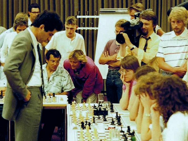 Kasparov Magath 1985 Hamburg-2
