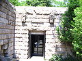 Kazanlak-tomb-entrance.jpg