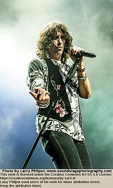 Kelly Hansen of Foreigner 2013.jpg