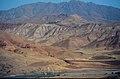 Kemah 09 1984 Blick über das Karasu-Tal nach Norden auf das Gebirge des Karadağ.jpg