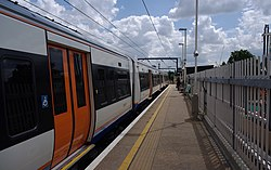 Kentish Town West railway station MMB 02 378213.jpg
