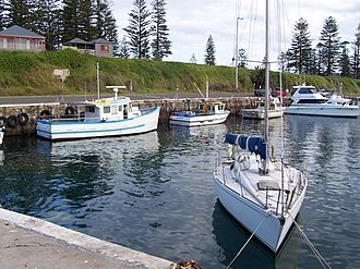 Kiama, New South Wales - Image: Kiama harbour 1
