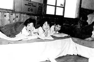 Dean Hess - Image: Korean orphans at Jejudo
