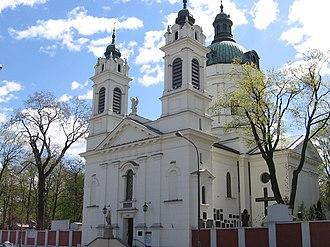 Powązki Cemetery - Image: Kosciol sw Boromeusza w Warszawie