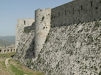 Fortified tower - Image: Krak des Chevaliers 13