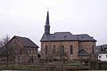 Löhndorf Kirche mit Pfarrhaus.jpg