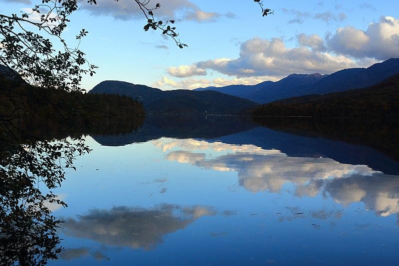 File:Lake Bohinj Sunset (22862590695).jpg