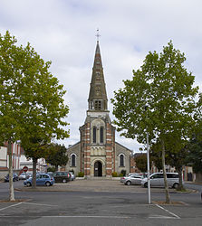 Lamotte-Beuvron church A.jpg
