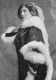 Langtry as Mrs de Bathe c. 1915