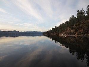 Okanagan Lake - Image: Late Winter Reflections on Lake Okanagan