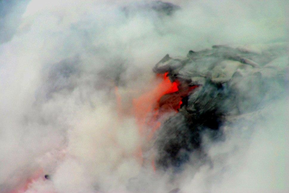 Lava enering ocean5n