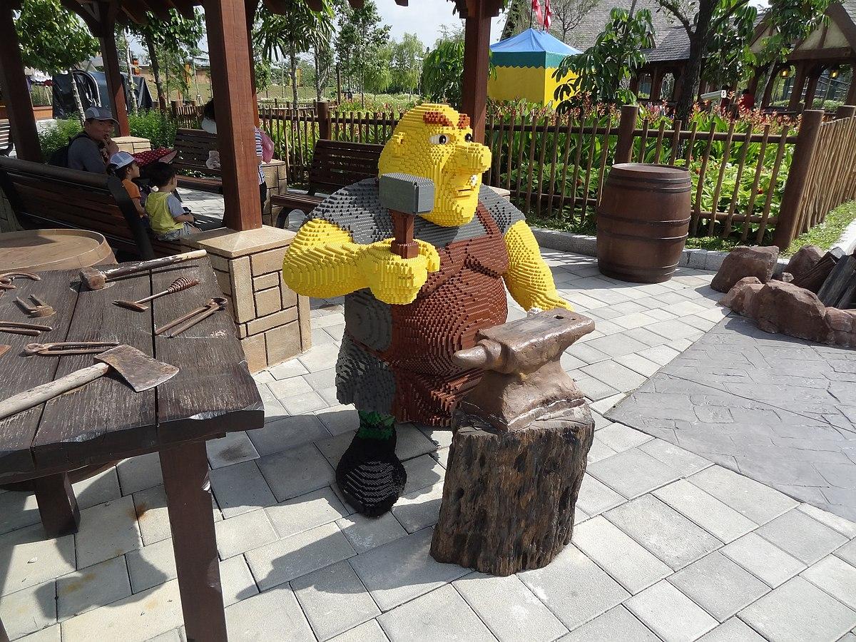 File:Lego Kingdoms Legoland Malaysia 2.jpg - Wikimedia Commons
