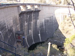 Los Molinos Dam - Downstream face of the dam