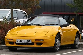Lotus Elan (M100) registered August 1991 1588cc.jpg