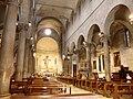 Lucca-chiesa di san michele in foro-interno.jpg