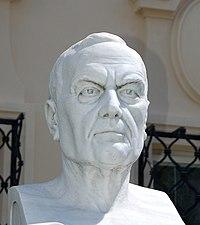 Ludwig Baumann, architect, bust in Berndorf2.jpg