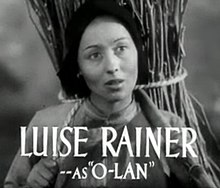 Luise Rainer in The Good Earth trailer 2.jpg