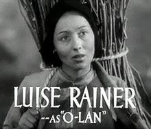 Luise Rainer in The Good Earth trailer 2.jpg