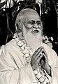 Maharishi Mahesh Yogi with NandkishoreC.jpg