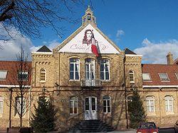 Mairie de Saint-Pol-sur-Mer.JPG