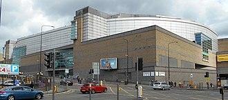 Manchester Arenan ulkopuoli, (3) toukokuu19.jpg