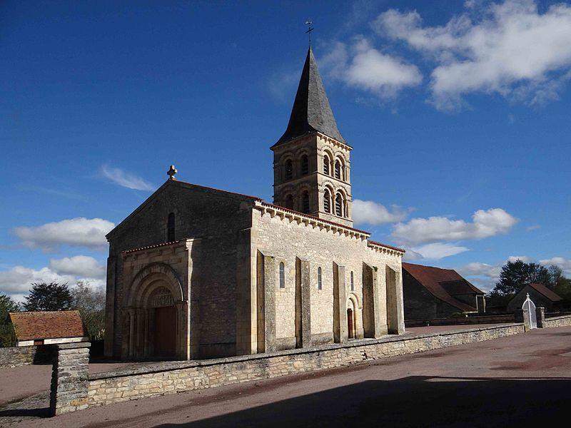 Église Saint-Julien de Mars-sur-Allier, Nièvre, France
