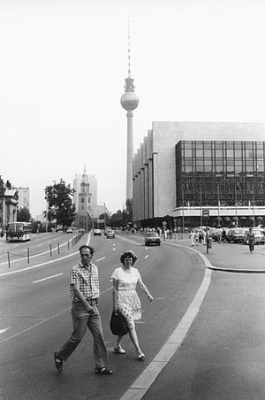 Karl-Liebknecht-Straße - Karl-Liebknecht-Straße and Palace of the Republic, 1989