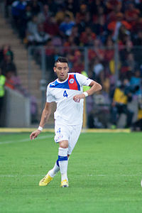 Mauricio Isla - Spain vs. Chile, 10th September 2013.jpg