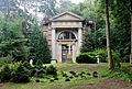 Mausoleum Schloss Kaarz.jpg