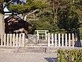 Mausoleum of Emperor Sushun.jpg