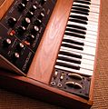 Minimoog - pitch & modulation wheels, etc. - left angle view (2016-07 by kpr2).jpg