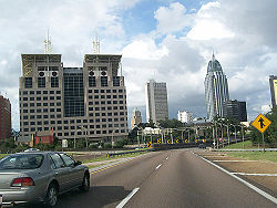 Mobile Alabama I-10 downtown.jpg