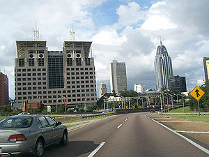 Interstate 10 in Alabama - I-10 eastbound in downtown Mobile approaching the George Wallace Tunnel