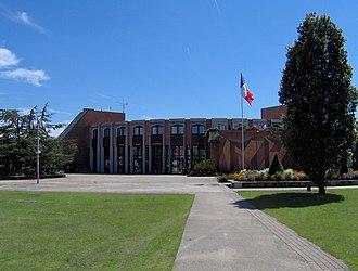 Montigny-le-Bretonneux - The city hall