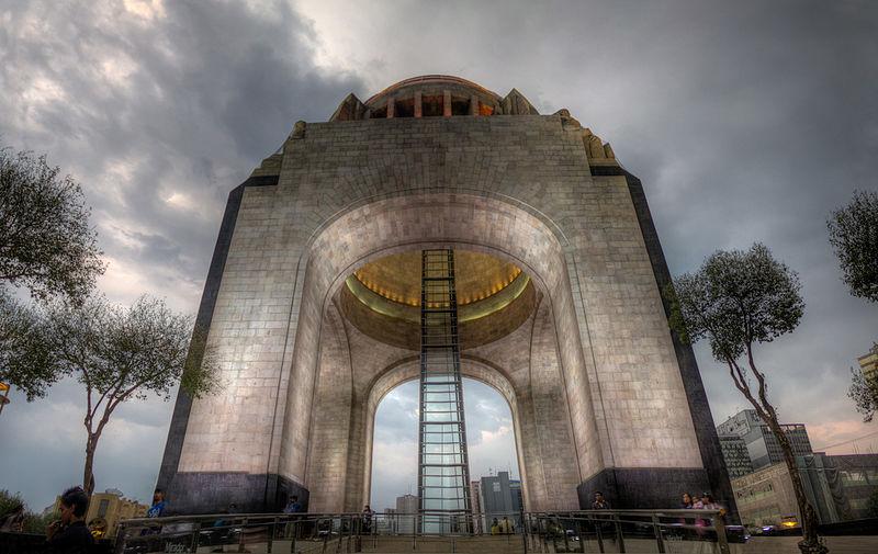File:Monumento a la Revolución (5753155861).jpg