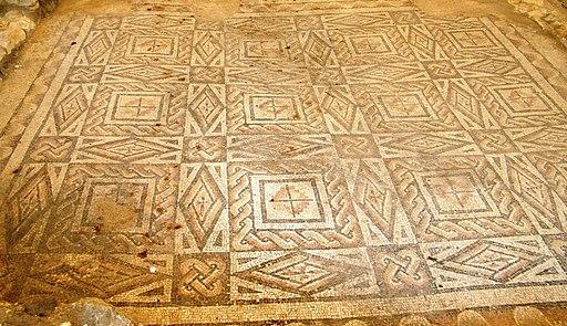 Mosaico con nodi di Salomone - Villa romana - Desenzano del Garda (Foto Luca Giarelli)