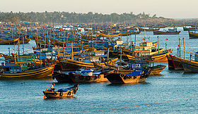 Fishing boats in Mũi Né harbour