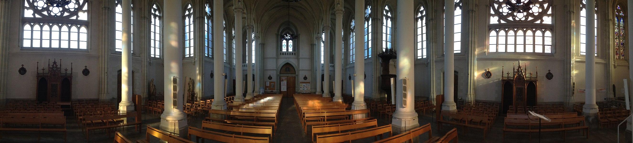 La nef de l'église Saint-Léger vue chœur.