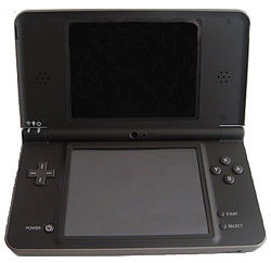 Nintendo DSi XL-edit.jpg