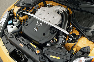 Nissan VQ engine - Image: Nissan VQ35DE engine 001