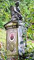 Oberwinter Friedhof Grabmal Engel.jpg