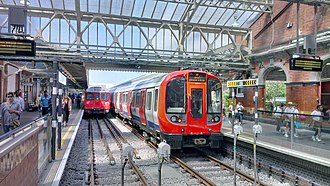 Hammersmith & City line - Image: Old and New trains, Hammersmith station