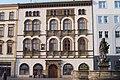 Olomouc, Edelmannův palác a Herkulova kašna.jpg