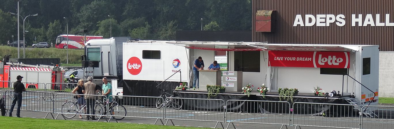 Péronnes-lez-Antoing (Antoing) - Tour de Wallonie, étape 2, 27 juillet 2014, départ (B48).JPG