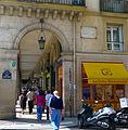 P1190019 Paris Ier rue Saint-Roch n°1 rwk.jpg