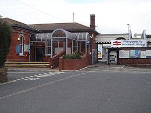 Paddock Wood railway station - Image: Paddock Wood Station 02
